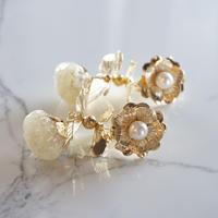 rimiue / フラワー  ピアス&イヤリング  gold x white
