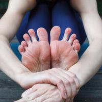 5/8(金)10:30-11:30【テーマ】足がキホン!運動いらずの自宅健康法。オンラインスクール(60分)