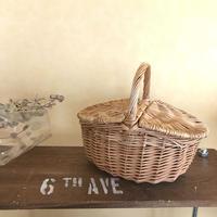 Picnic  basket  mini