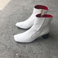 19AW  597013  WHITE
