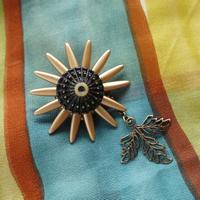 太陽の花Fleurs de soleilブローチ o-2403