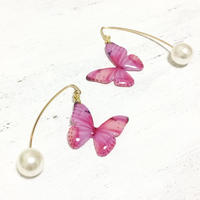 Light Pink Butterfly Hook Earrings with Pearl [Pierced]
