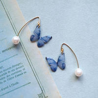 Denim Blue Butterfly Hook Earrings with Pearl [Pierced]
