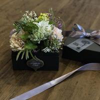 生花  カリグラフィー&窓付 BOX FLOWER