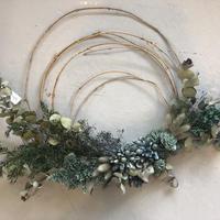 wreathe :  bluegreen