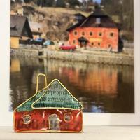 チェスキークロムロフの赤い家のブローチ