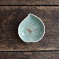 antiques  幕末 青磁  桃型 豆皿