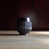 yöc.  鎬のフリーカップ(鉄織部)