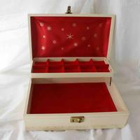 ヴィンテージ ジュエリーボックス 雪の結晶 レッドサテン / アンティーク雑貨