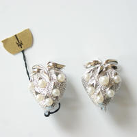 TRIFARIクラウントリファリ いちご シルバー パール ブローチ / ヴィンテージ・コスチュームジュエリー