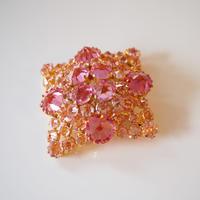AUSTRIAオーストリア 製  ローズカット ピンク ガラス クリスタル ブローチ / ヴィンテージ・コスチュームジュエリー