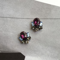 Bijoux earring in purple