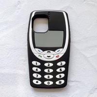 Nokia風レトロ携帯電話のiPhoneケース(ブラック)