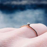 銀が一粒ついたリング