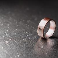 銅の太い指輪
