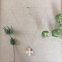 エゾジカ革のクロスネックレス
