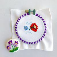 ハンガリー刺しゅう ブローチキット スミレとバラ 刺しゅう枠つき
