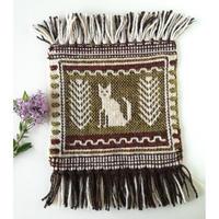 ヤノフ村の織物 ミニタペストリー たたずむ猫(22×18cm)#2347