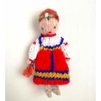 ターニャの指人形 民族衣装を着た女の子