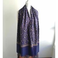 ソズニ刺繍のウールストール:ネイビー