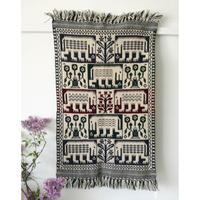ヤノフ村の織物 タペストリー 恐竜と伝統的な花(54×83cm)#2