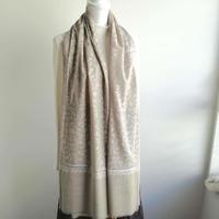 ソズニ刺繍のウールストール:ライトグレー