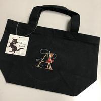 Shinzi Katoh イニシャル刺繍トートバッグ
