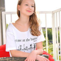 Tシャツ・AT THE BARRE CROPPED(RCTB1)