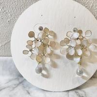 紫陽花 ホワイト ポストピアス