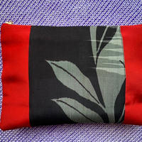 赤の帯×銘仙柄着物の切り替えクラッチバッグ