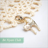 ミニフックチャーム★猫背猫(ゴールド)フラットチャーム charm shop *nyanzip*