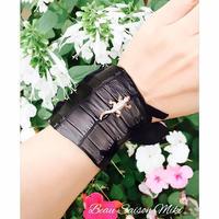 Bracelet of crocodile leather with alligator ornament black