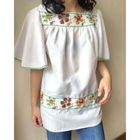 embroidery fril sleeve tunic