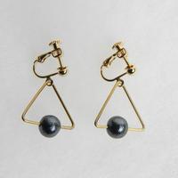 sankaku pearl earring [VE-001b]