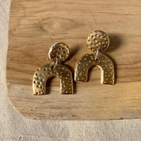 RARA studio gold dots pierce