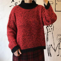 lady's black×red switching sweater