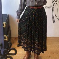 lady's plaid&tassel pattern skirt