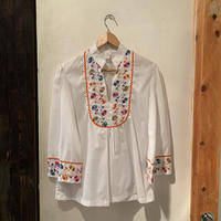 lady's embroidery tops