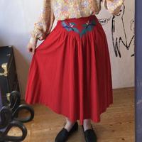 lady's bird appliqué skirt