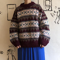 lady's volume silhouette sweater