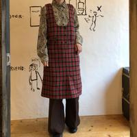 lady's plaid pattern jumper skirt