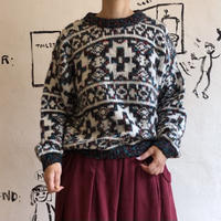 lady's mix color sweater