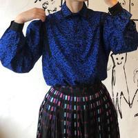 lady's 1980's patterned blouse