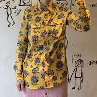 lady's poppy pattern blouse