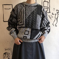 lady's gray pattern switching knit tops