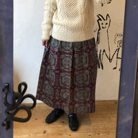 lady's 1970's patterned skirt
