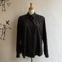 lady's dot pattern blouse