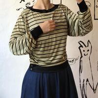 lady's dolman sleeve style tops
