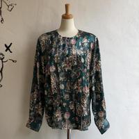 lady's scarf pattern blouse