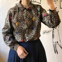 lady's animal ×colorful dot pattern blouse